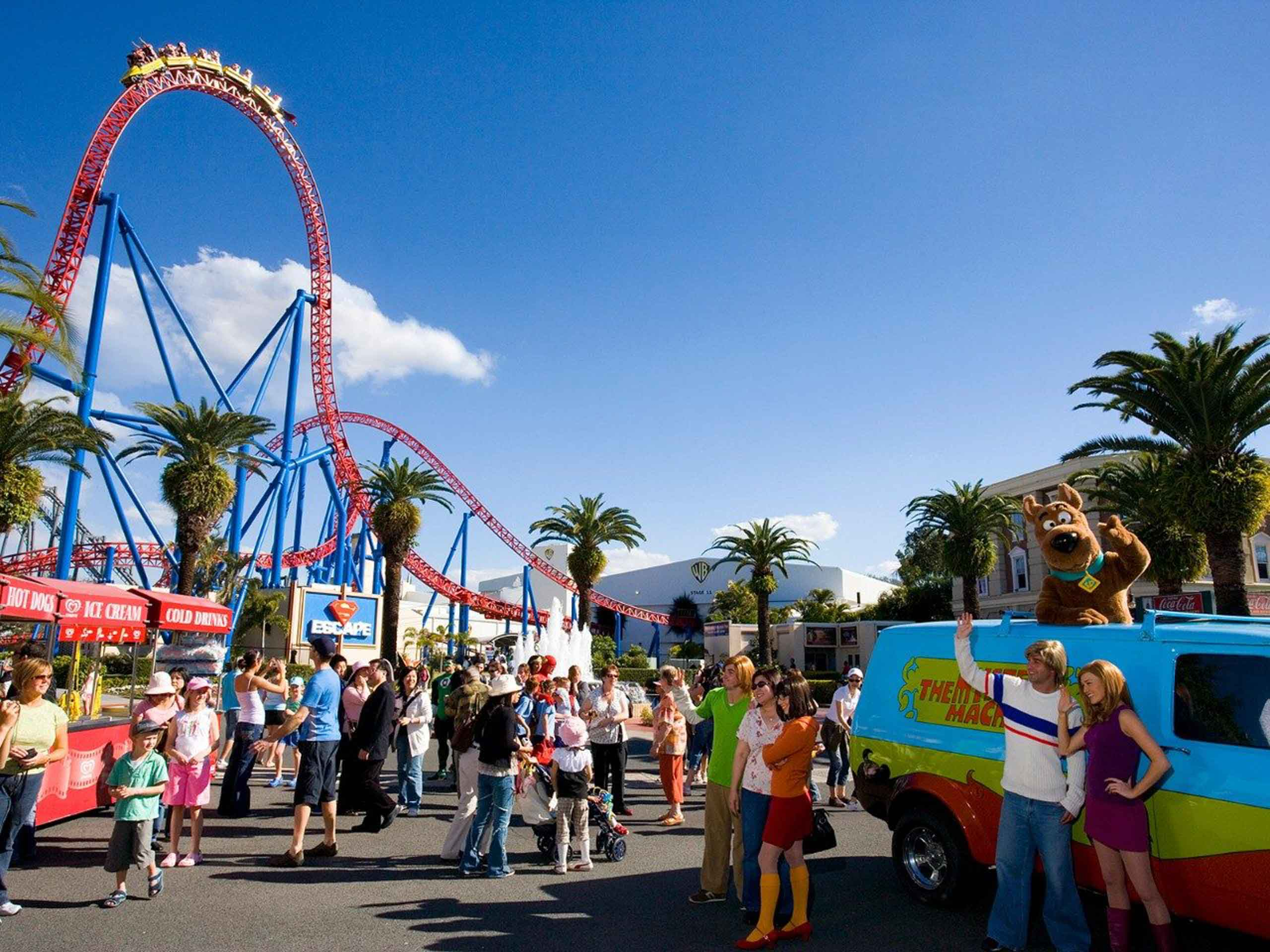 surf-regency-attractions-surfers-paradise-movie-world