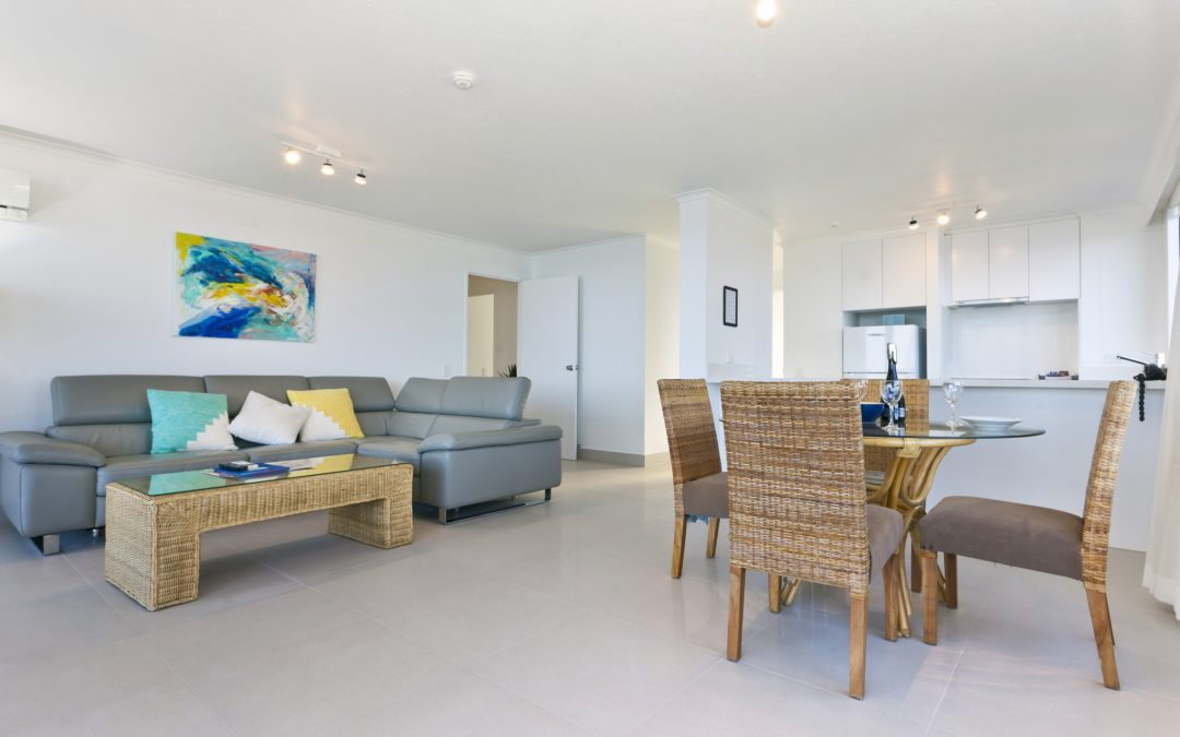 surf-regency-apartments-two-bedroom-superior-surfers-paradise-living-dining