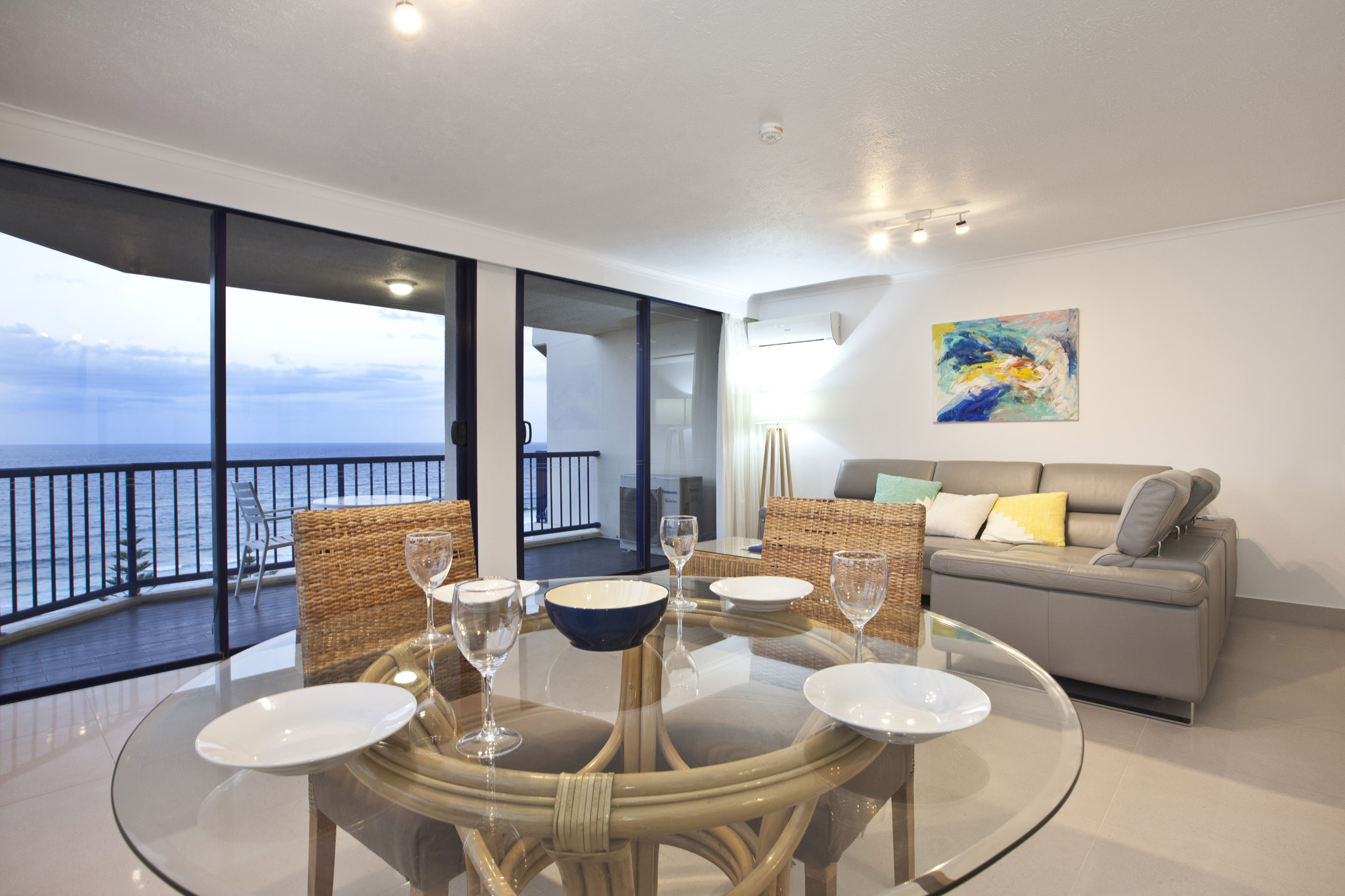 Surf Regency Holiday Apartments Living & Dining Area