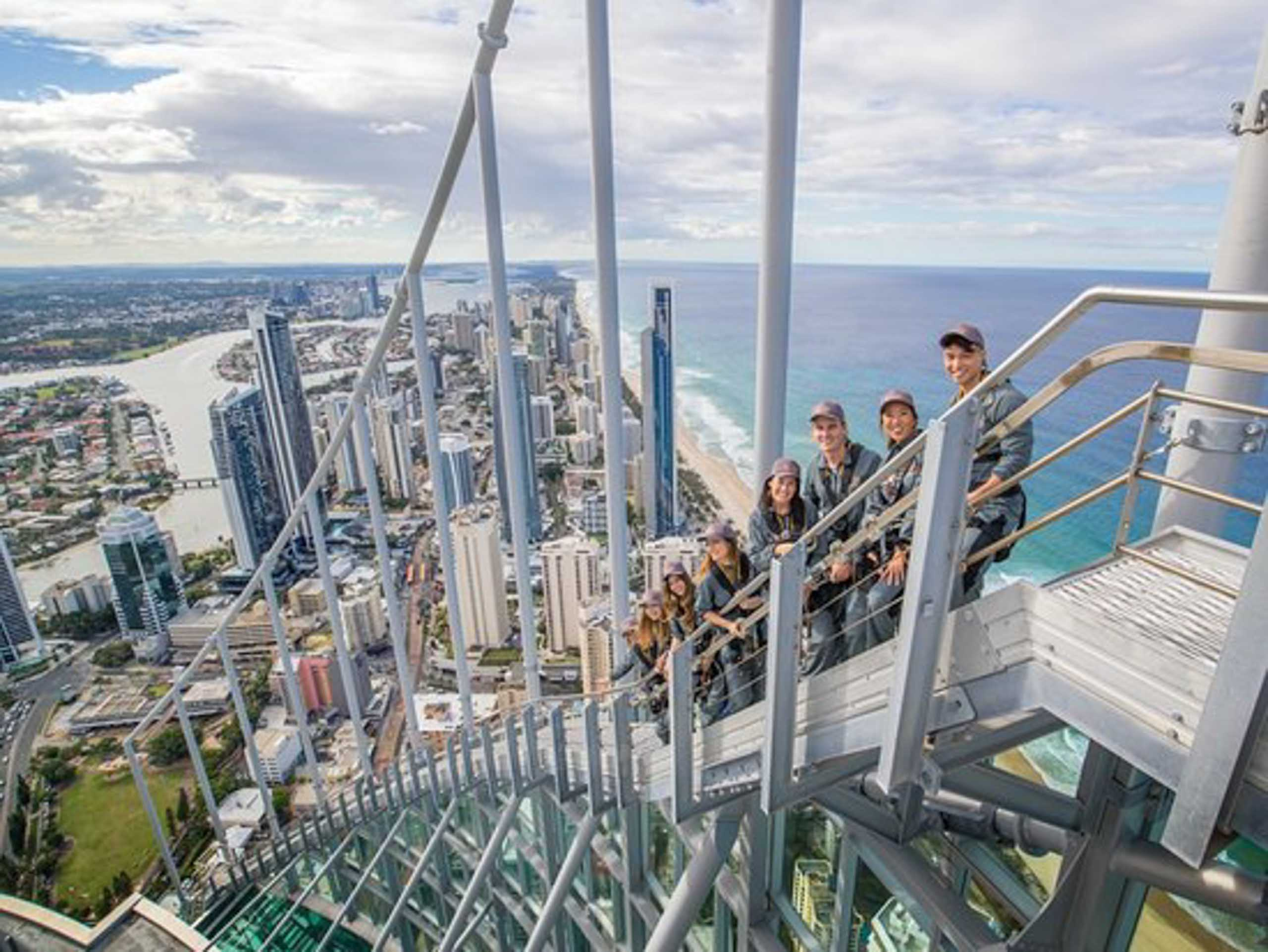 surf-regency-attractions-surfers-paradise-skypoint-climb